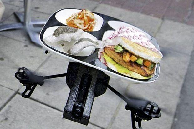 Un repas livré à domicile et des colis tombés du ciel : bientôt les drones remplaceront le facteur et les coursiers à vélo.