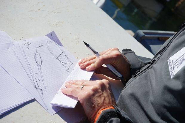 Les croquis intuitifs servent à guider les archéologues dans leurs fouilles.