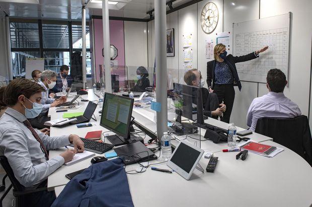 Agnès Pannier-Runacher, ministre déléguée chargée de l'Industrie, pilote une réunion de la mission ProdVac. Au ministère de l'Economie et des Finances, le 3 mars.