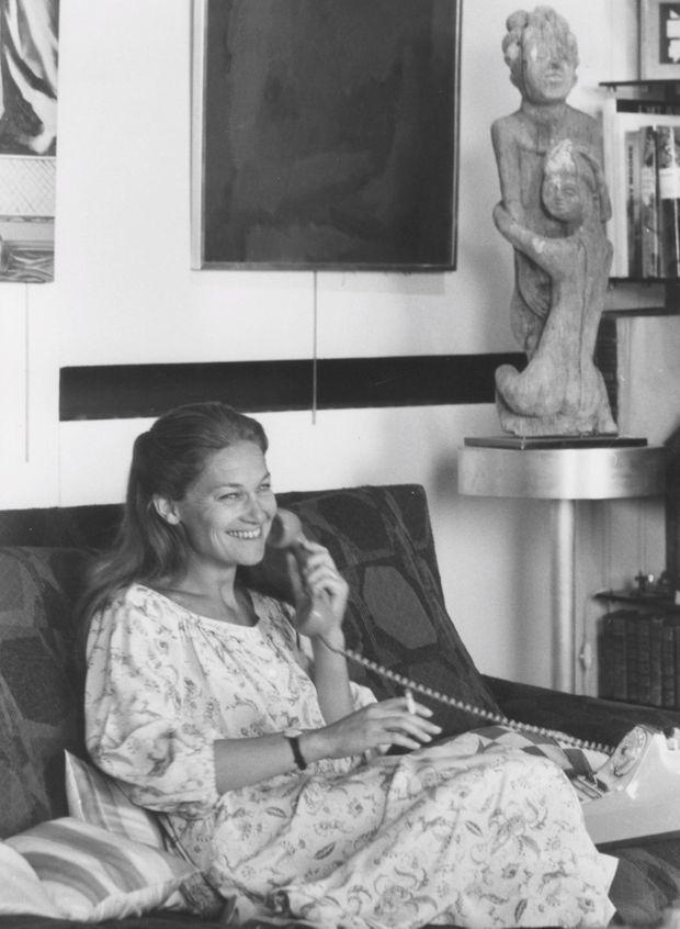 Photographiée en 1980 dans son appartement du Quartier latin où elle vit toujours.