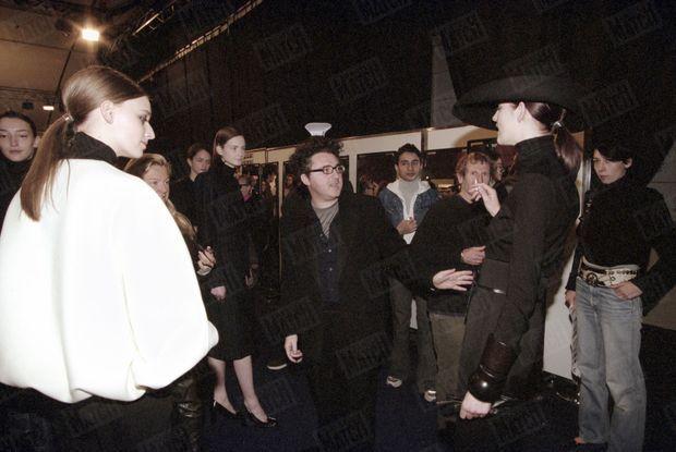 « Le plus beau compliment avoue Elbaz c'est quand on me dit j'achète.» - Paris Match n°2599, 18 mars 1999