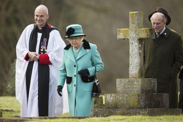 La reine Elizabeth II et le prince Philip à West Newton, le 5 février 2017