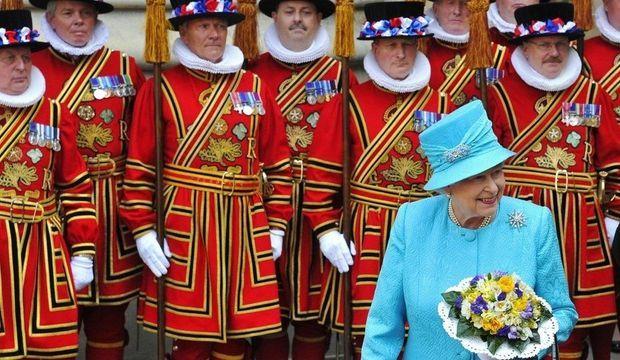 Elizabeth-II-yeomen_galleryphoto_paysage_std-