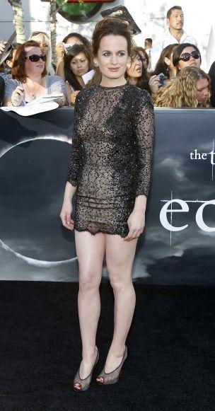 Elizabeth Reaser en open toes-