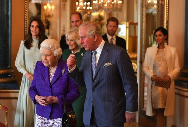 Elizabeth II et le prince Philip à Buckingham, le 5 mars 2019. Dans un communiqué, la Reine s'est dite « enchantée » d'accueillir son septième arrière-petit-enfant.