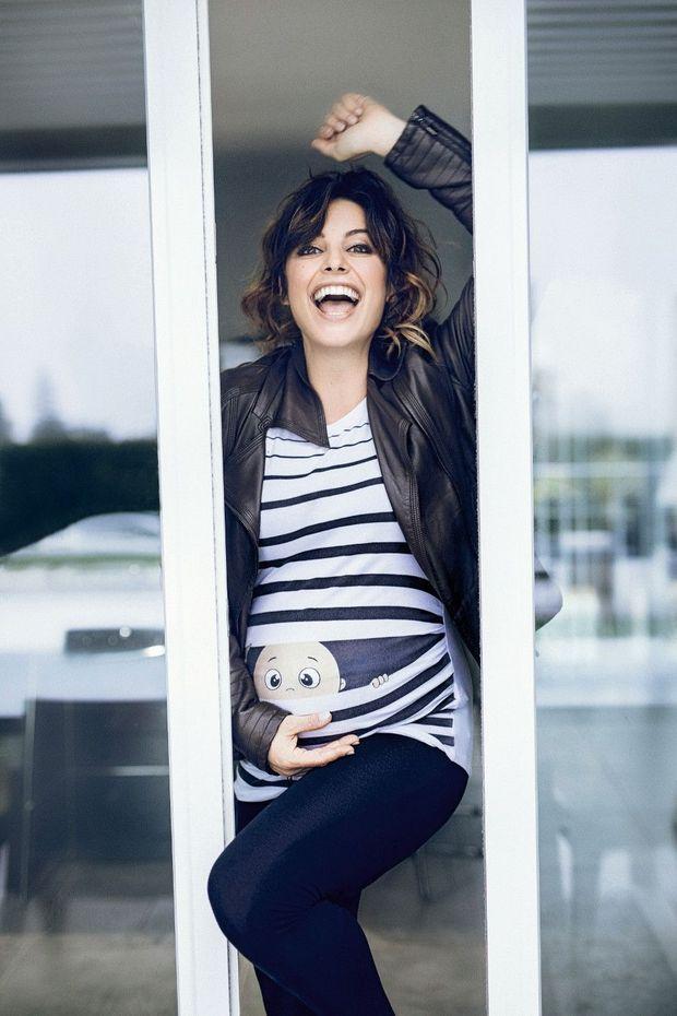 Elle s'apprête à jouer dans « Un bébé pour Noël » pour TF1. « Tourner enceinte, dit-elle, c'est le plus beau cadeau. »