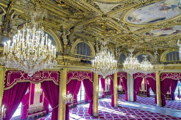 Créée sous la IIIe République, la salle des Fêtes est l'espace le plus vaste du palais.