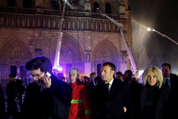 Emmanuel Macron et son épouse Brigitte à Notre-Dame.
