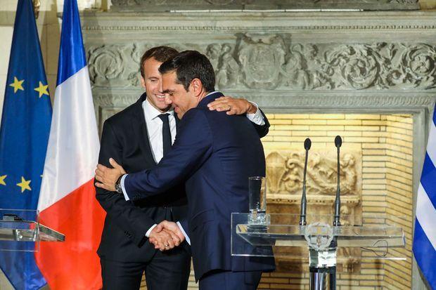 Emmanuel Macron et Alexis Tsipras à l'issue de leur conférence de presse commune, à Athènes.