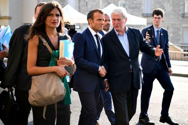 Emmanuel Macron et le maire de Biarritz Michel Veunac vont retrouver le ministre iranien Mohammad Javad Zarif, dimanche après-midi.