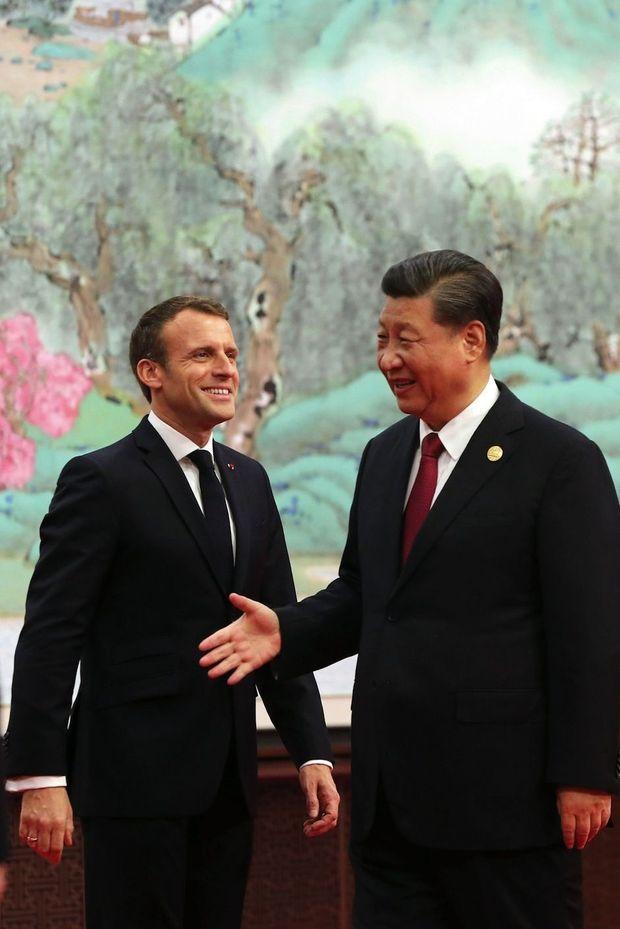 Emmanuel Macron et Xi Jinping à Shanghai, le 5 novembre. L'enjeu de cette visite : tenter d'avancer dans la même direction.