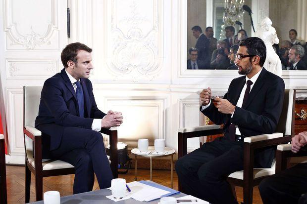 Emmanuel Macron reçoit le patron de Google, Sundar Pichai, lors d'un sommet Choose France au château de Versailles, le 22 janvier 2018.
