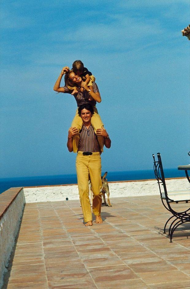 En 1966 à Saint-Tropez. Les Delon viennent de passer deux ans à Hollywood.