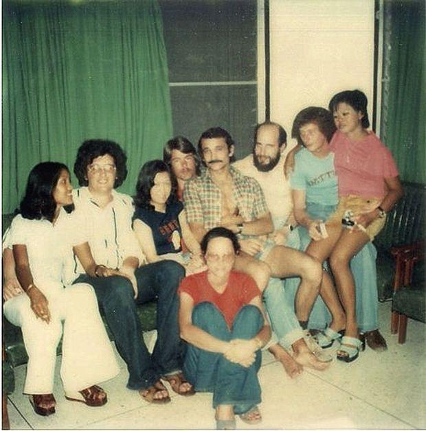 En 1975, à la Kanith House de Bangkok, le repaire de jeunes routards et de futures victimes.
