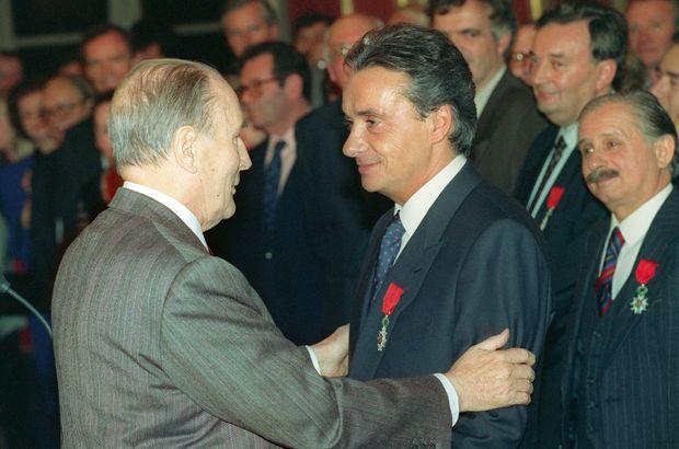 En 1993, il est fait chevalier de la Légion d'honneur par François Mitterrand.