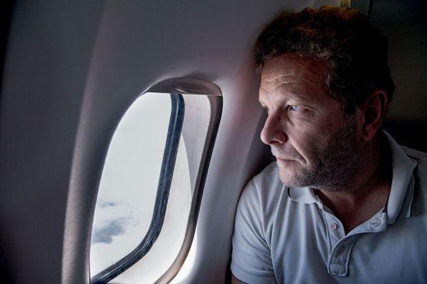 En 2016, Ghyslain Wattrelos en vol pour Tamatave, à Madagascar. Des débris d'avion, non encore identifiés, sont régulièrement rejetés sur les côtes de l'île.