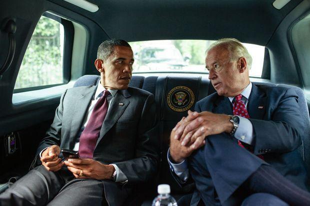 En juillet 2010, avec Joe Biden, qu'il finira par soutenir dix ans plus tard pour la présidentielle.