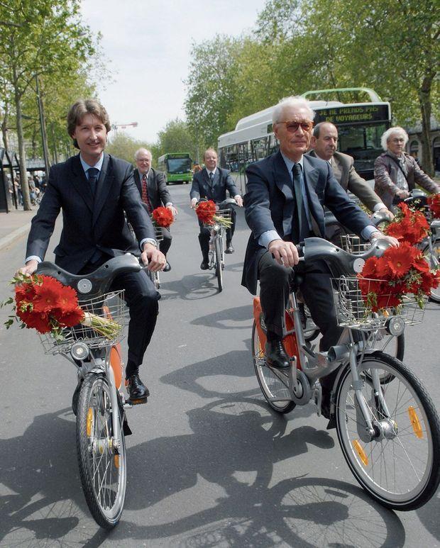 En septembre 2008, celui qui a longtemps fait 150 kilomètres à vélo chaque week-end inaugure les vélOstan'lib de Nancy.