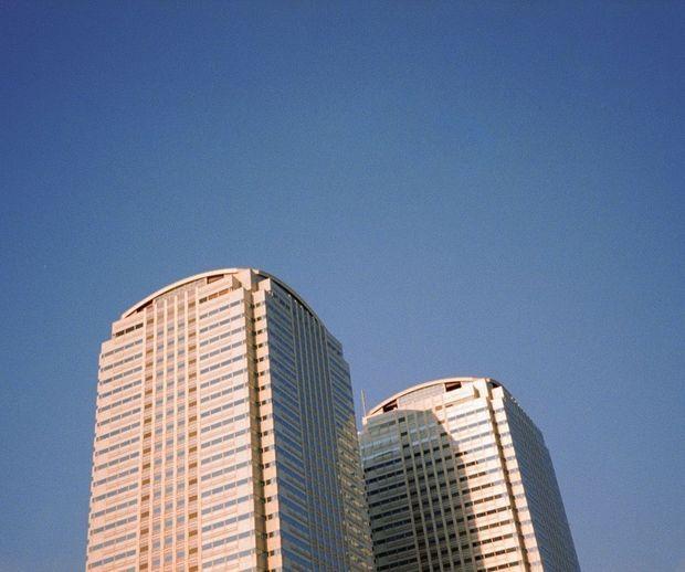 A Tokyo, durant ses moments « off», il parcourt la ville pour capturer des instantanés de vie