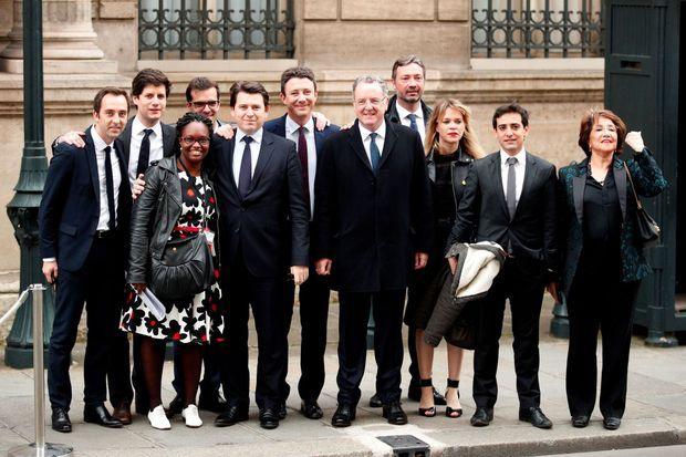 Arnaud Leroy (4e à droite), Sibeth Ndiaye (3e à gauche), Richard Ferrand (5e à droite), Benjamin Griveaux (6e à gauche), Ismaël Emelien (4e à gauche), Julien Denormandie (2e à gauche), Stéphane Séjourné (2e à droite), Jean-Marie Girier (à gauche), Sylvain Fort (5e à gauche) le 14 mai 2017 à l'Elysée.