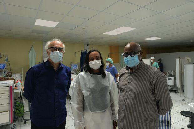 Equipe de choc : (de g. à dr.) Bruno Jarrige, directeur médical de la crise Covid Guadeloupe, Suzy Duflo, présidente de la commission médicale du CHU, et Gérard Cotellon, le directeur du CHU.