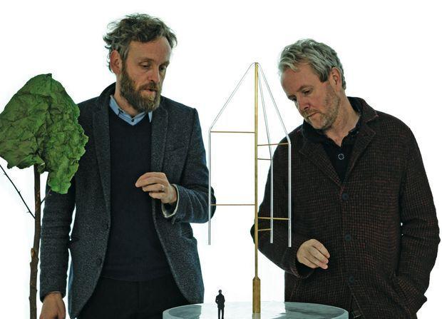 Erwan et Ronan Bouroullec, à l'origine du projet. La renommée des frères designers est internationale.