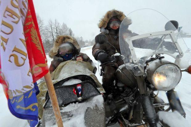 Une campagne de Russie rocambolesque pour Cédric Gras et Sylvain Tesson.