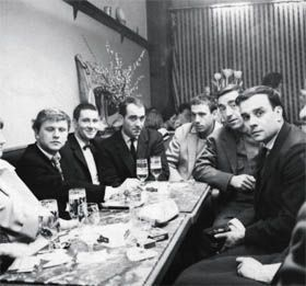 Anvers 1959, de g. à dr. : Heinz Mack, Otto Piene, Jean Tinguely, Daniel Spoerri, Pol Bury, Yves Klein