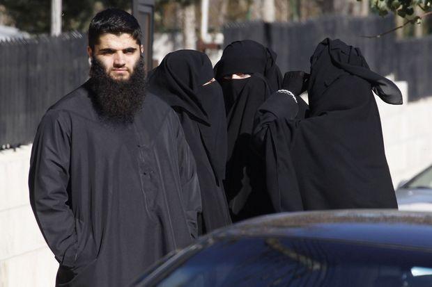 Qatada, le fils d'Abou Qatada (dont le vrai nom est Omar Mahmoud Othman), était devant le tribunal d'Amman.