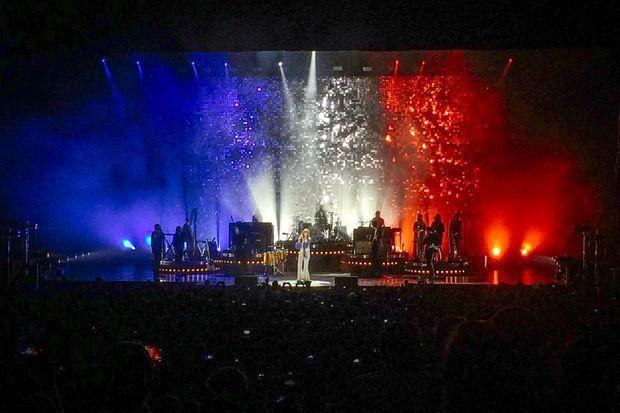 Le groupe a rendu hommage à Paris