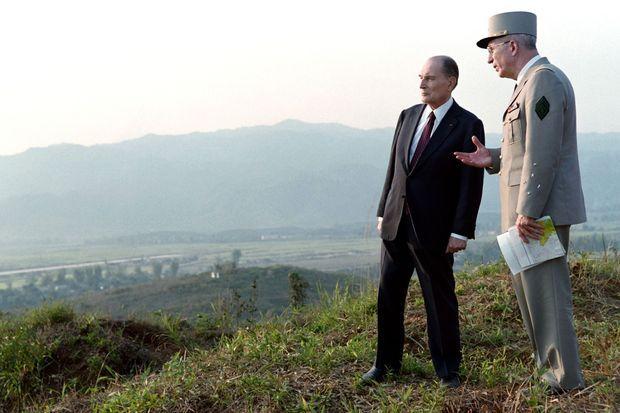 François Mitterrand à à Diên Biên Phu en 1993.