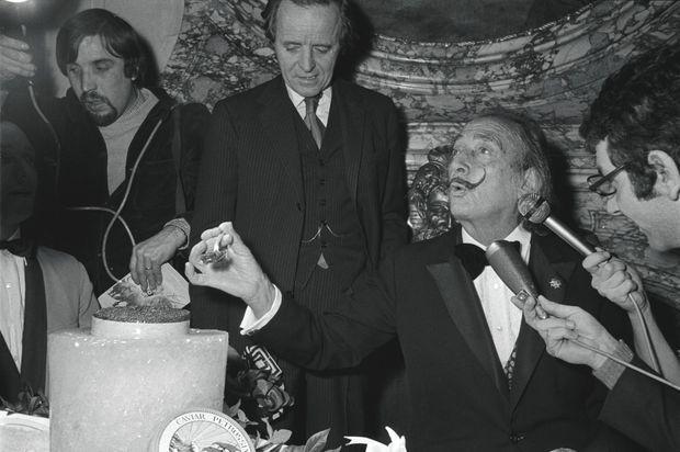 Fou de caviar, Salvator Dali le consommait par demi-livre !