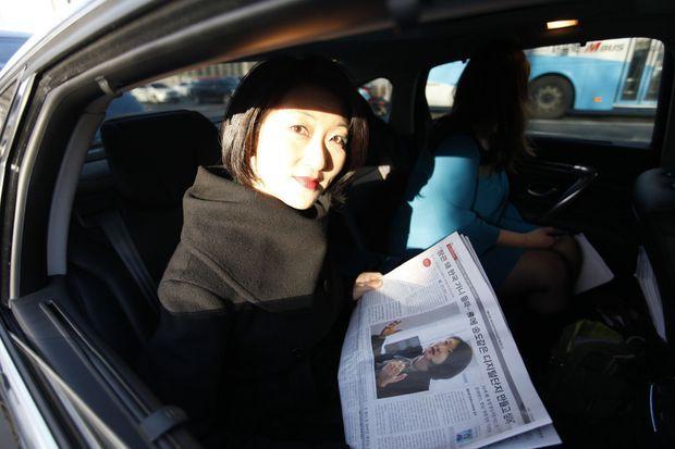 La venue de Fleur Pellerin, première femme d'origine asiatique à être nommée dans un gouvernement français, fait les gros titres.