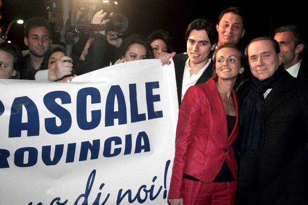 Francesca Pascale et Silvio Berlusconi en décembre 2012.