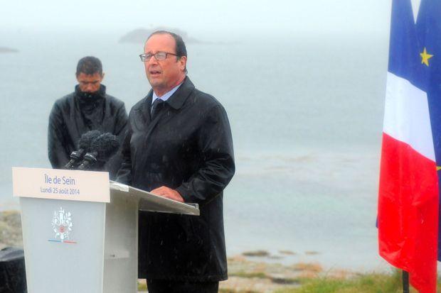 François Hollande à l'île de Sein, le 25 août 2014.