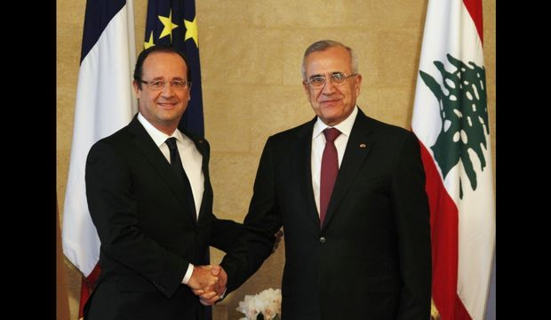 François Hollande Michel Suleiman Poignée de main-