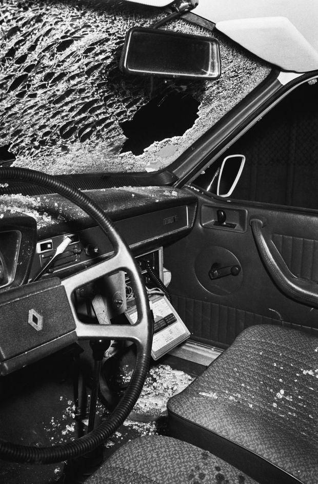 Fusillade entre la police et cinq des ravisseurs du baron Edouard-Jean Empain, venus pour toucher la rançon de 40 millions de francs, dans la soirée du vendredi 24 mars 1978, sur l'Autoroute du Sud. C'est à bord de cette voiture que le policier Jean Mazzieri qui se fait passer pour l'émissaire de la famille Empain s'était rendu au rendez-vous donné par les gangsters. Ils interceptèrent la voiture , montèrent a bord et ouvrir presqu'aussitôt le feu sur la police qui les suivait a bord d'une fourgonnette Peugeot banalisée. Le gangster Daniel Duchateau était abattu mais l'arrestation de son comparse Alain Caillol permit aux policiers d'obtenir 48 heures plus tard la libération du baron Empain.
