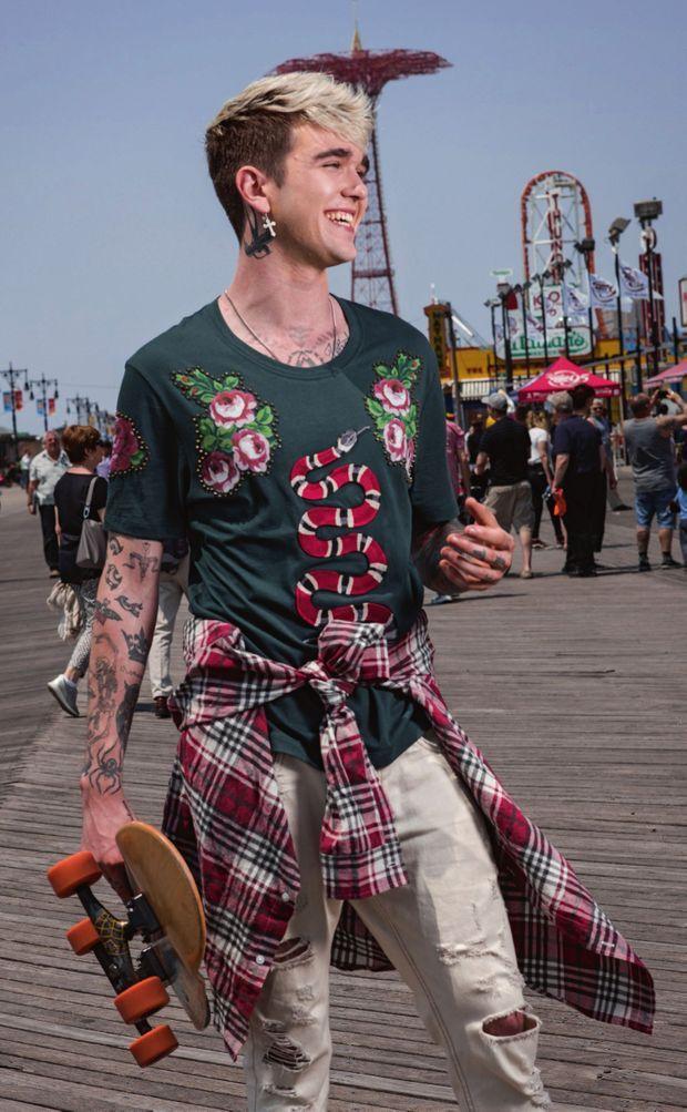 Sur les planches de Coney Island. Fou de skate, il le pratiquait enfant sur l'esplanade du Trocadéro.
