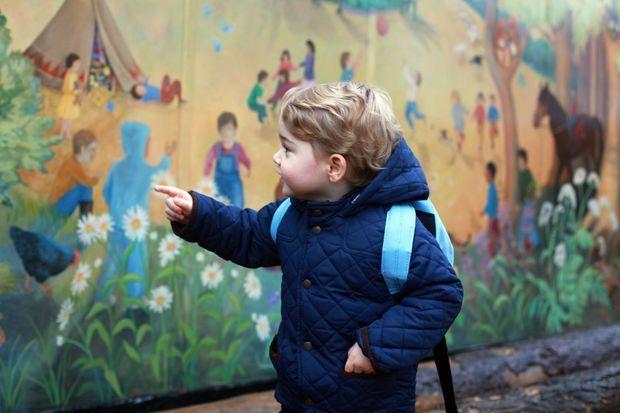 Portrait du prince George de Cambridge pour son premier jour d'école, par Kate Middleton