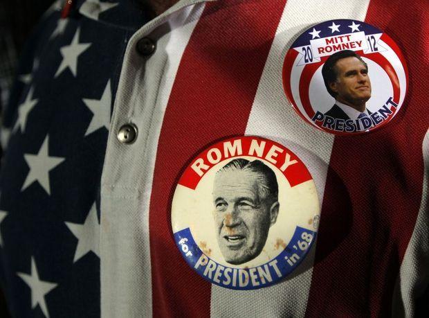 George Mitt Romney Badges-