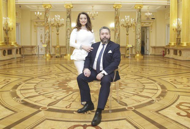 Georges Mikhaïlovitch de Russie et sa fiancée dans le palais de Tsaritsyno.