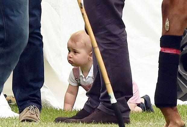 """""""Georgie boy"""" echappe à la vigilance de ses parents, lors d'un match de polo du William, en juin 2014."""