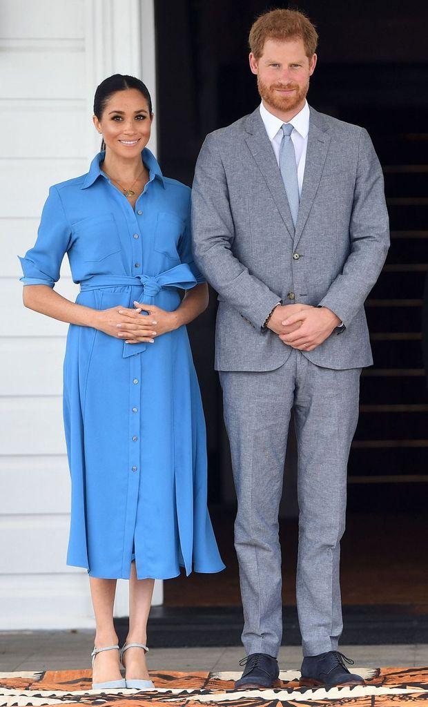 Meghan Markle portant la robe Veronica Beard aux îles Tonga en octobre 2018