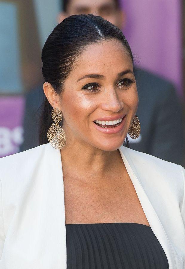 Meghan Markle portant les boucles d'oreilles Gas Bijoux à Rabat en février 2019