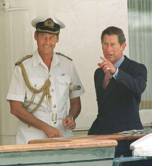 Le prince Charles à bord du Britannia à Hong Kong le 28 juin 1997
