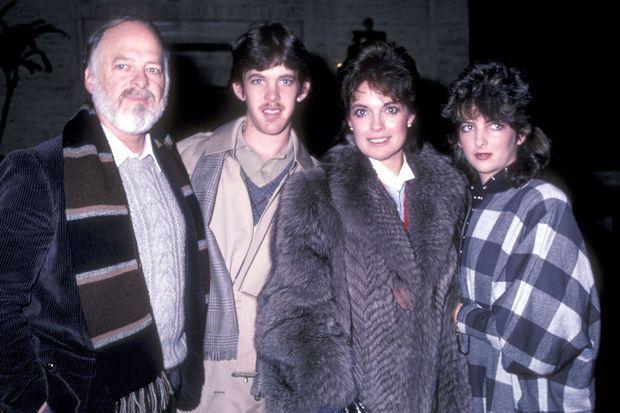 Linda Gray avec son ex-mari Ed Thrasher et leurs enfants Jeff et Kehly en 1982