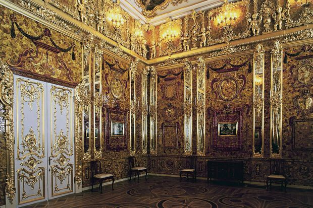 Détail de la reconstitution de la Chambre d'ambre au palais Catherine à Pouchkine (anciennement Tsarskoïe Selo) en 2003