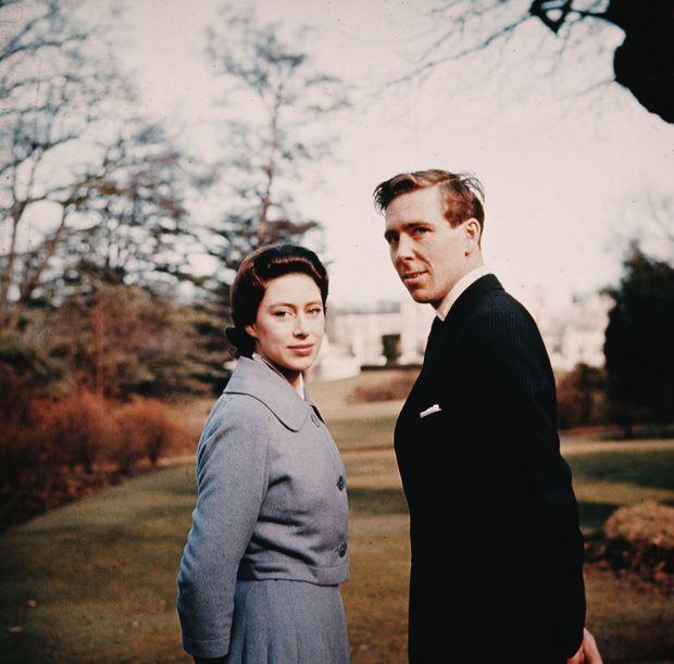 La princesse Margaret et Antony Armstrong-Jones. Photo pour l'annonce de leurs fiançailles en 1960
