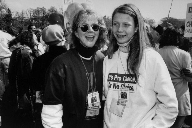Gwyneth Paltrow et sa mère Blythe Danner en 1992