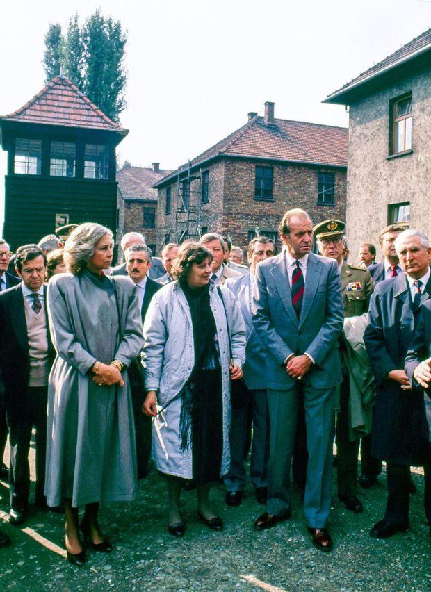 La reine Sofia et le roi Juan Carlos d'Espagne à Auschwitz, le 5 octobre 1989